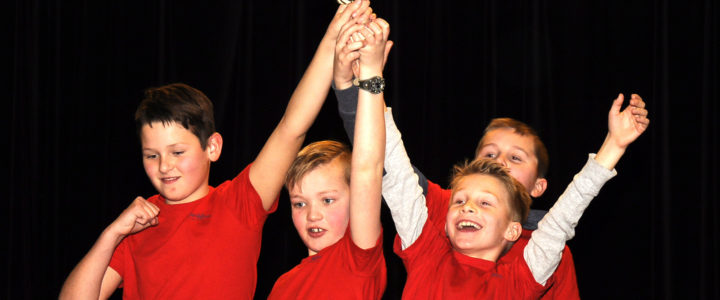 Hoeksteen 1 wint Syntess Software Schoolschaaktoernooi