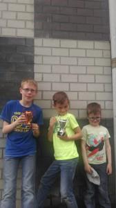Winnaars Robin en Freek met fan