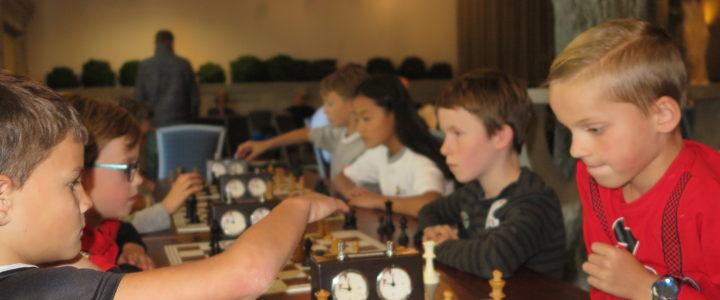 Druk bezette jeugd Grand Prix Schaaktoernooi